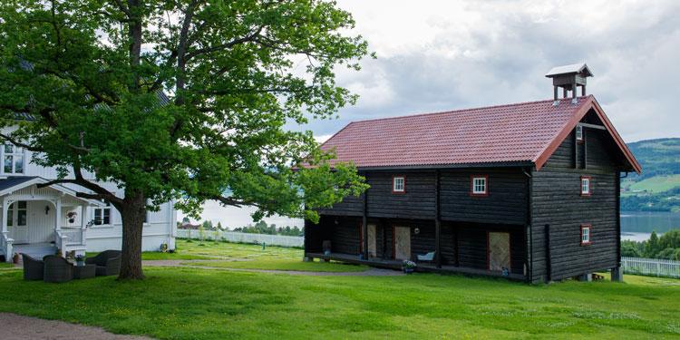 Berg&Wien Massivtre: Restaurert stabbur, Schee gård, Hov i Land, Oppland. Foto: Bjørn H Stuedal