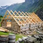 Berg&Wien Massivtre: Restaurering av gammelt naust, Nærøyfjorden, Sogn